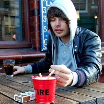Suck UK 小红桶烟灰缸/Fire Bucket Ashtray